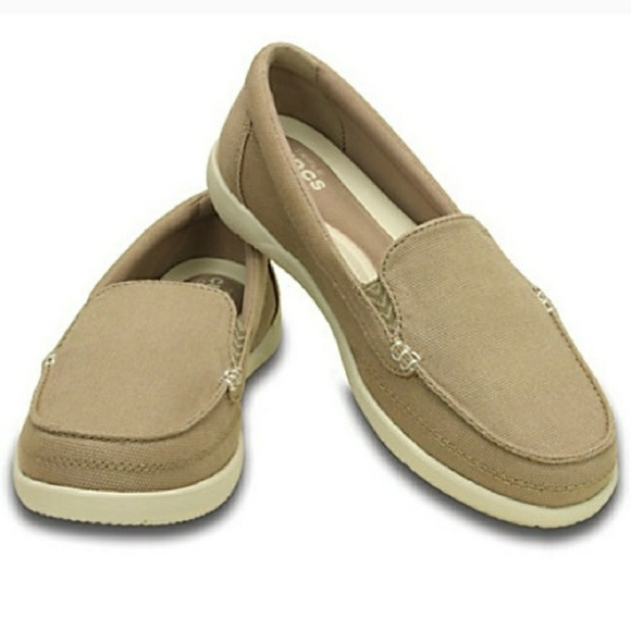 f4b7d60320f CROCS Shoes - Crocs Walu II canvas loafer tan